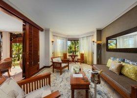 mauricius-hotel-dinarobin-beachcomber-375.jpg