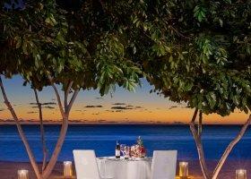 mauricius-hotel-st-regis-mauritius-290.jpg
