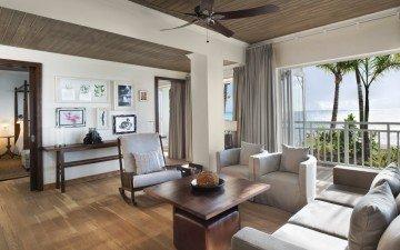 Beachfront St. Regis Suite (100 m²)